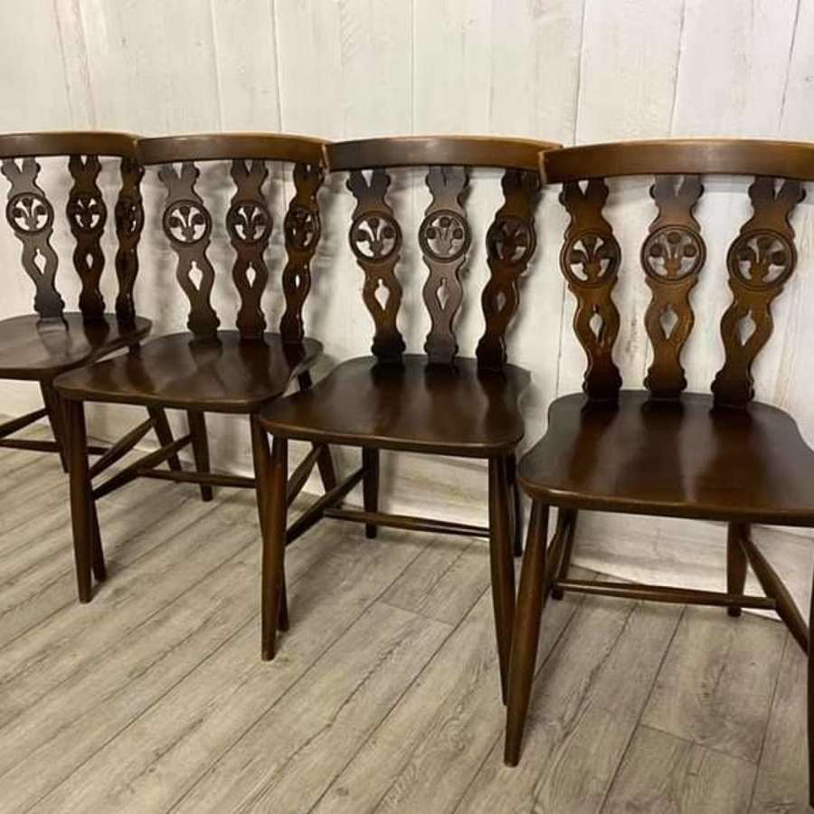 Set of 4 Ercol Fleur De Lys Chairs