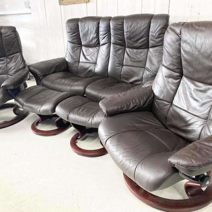 Ekornes Leather Sofa and 2 Chairs with Footstools